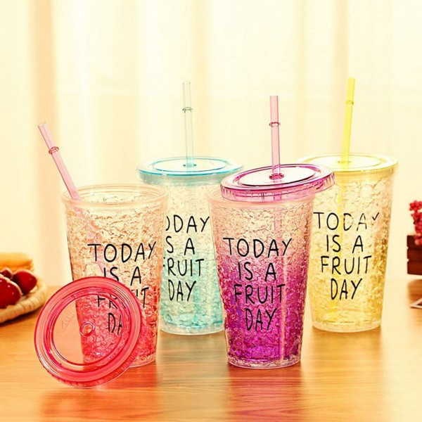 Κύπελλο Πλαστικό με Καλαμάκι σε Διάφορα Χρώματα
